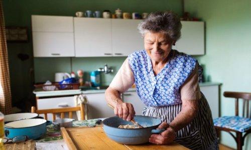 Ugye a te nagymamád akkor is jól lakatta a családot, ha nem volt otthon hús sem? 14 fantasztikus fogás, ami aranyat ér.